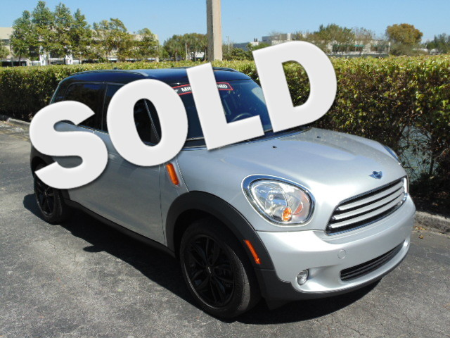 2012 MINI Countryman This 2012 mini cooper Countryman is Carfax Certified 1 Owner MUST SEE