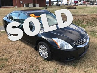 2012 Nissan-2 Owner-30 Records Altima AUTO!! LOCAL TRADE!! S-32 MPH!! ON HIGHWAY!! Knoxville, Tennessee