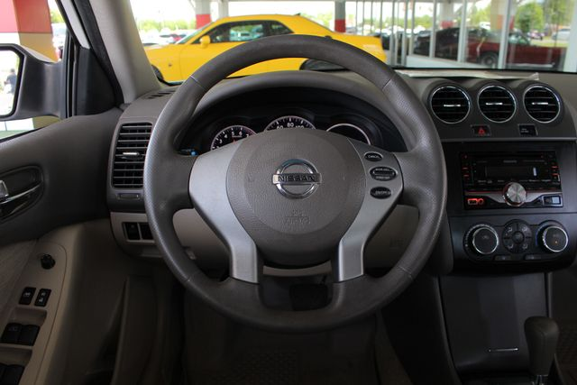 2012 Nissan Altima 2.5 S - POWER EVERYTHING - BLUETOOTH! Mooresville , NC 4