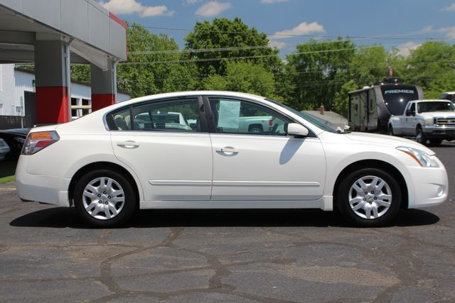 2012 Nissan Altima 2.5 S - POWER EVERYTHING - BLUETOOTH! Mooresville , NC 13