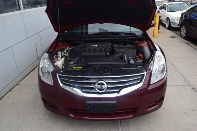 2012 Nissan Altima 2.5 S Richmond Hill, New York 3