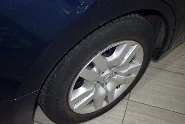 2012 Nissan Altima 2.5 S Richmond Hill, New York 14