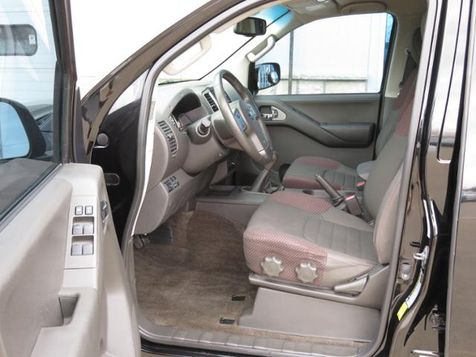 2012 Nissan Frontier Crew Cab PRO-4X RARE 6 Speed  in Ankeny, IA