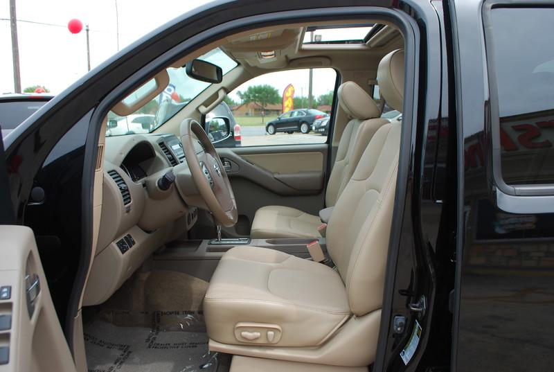 2012 Nissan Frontier SL  Brownsville TX  English Motors  in Brownsville, TX
