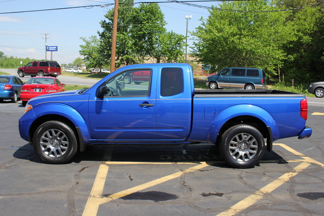 2012 Nissan Frontier SV Mooresville , NC 3