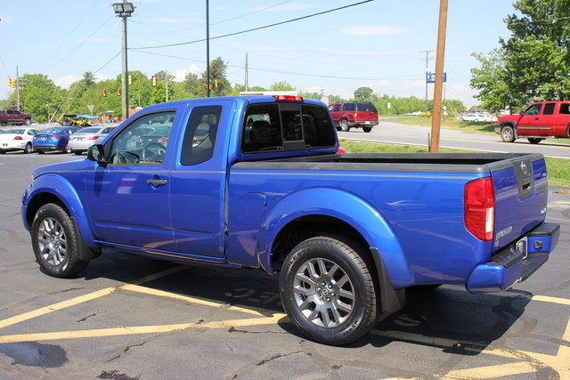 2012 Nissan Frontier SV Mooresville , NC 4