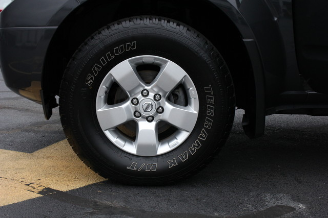 2012 Nissan Frontier SV Mooresville , NC 30