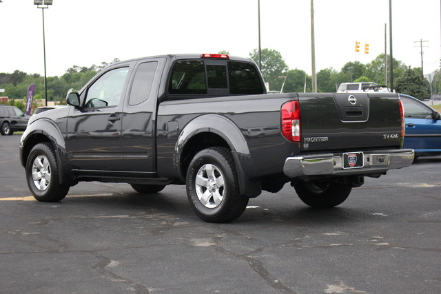 2012 Nissan Frontier SV Mooresville , NC 6