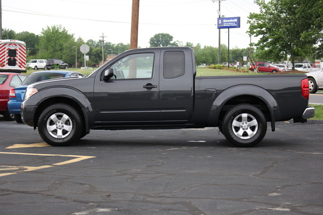 2012 Nissan Frontier SV Mooresville , NC 7