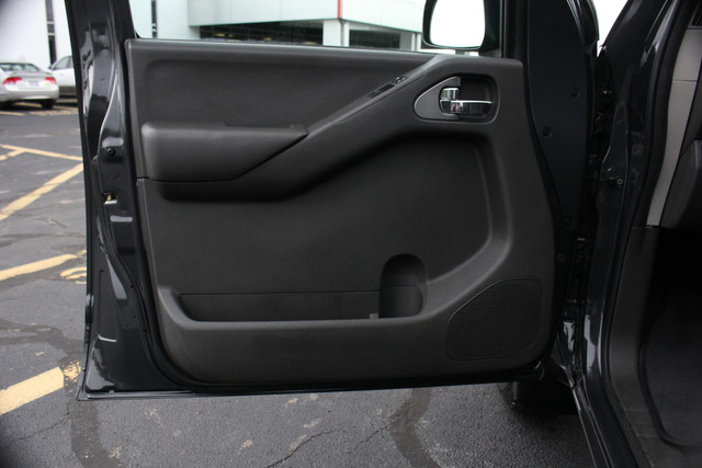 2012 Nissan Frontier SV Mooresville , NC 8