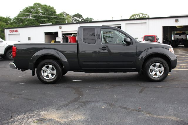 2012 Nissan Frontier SV 4X4 Mooresville , NC 3
