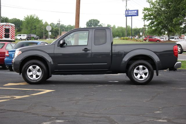 2012 Nissan Frontier SV 4X4 Mooresville , NC 7
