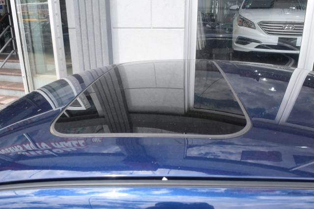 2012 Nissan Maxima 4dr Sdn V6 CVT 3.5 Richmond Hill, New York 4
