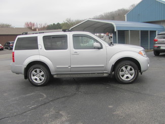 2012 Nissan Pathfinder SV Dickson, Tennessee 1