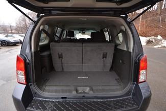 2012 Nissan Pathfinder SV Naugatuck, Connecticut 8