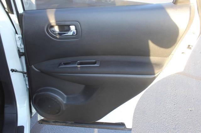 2012 Nissan Rogue SV AWD - PREMIUM PKG - NAVIGATION - SUNROOF! Mooresville , NC 64