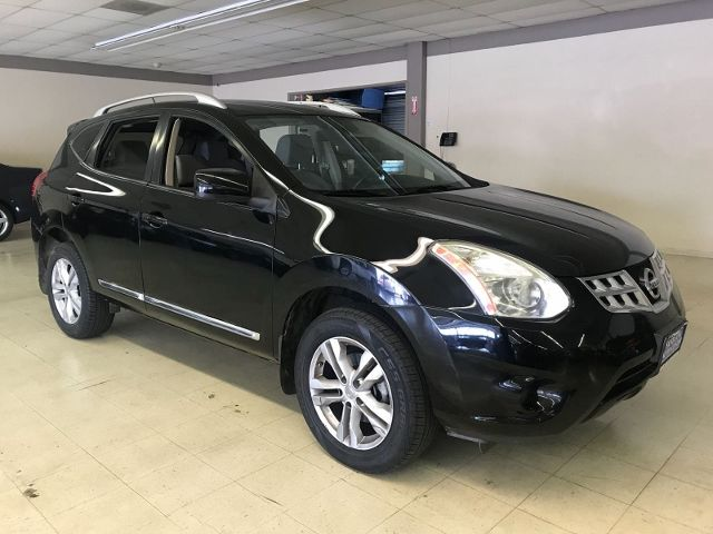 2012 Nissan Rogue SV Limited warranty included to assure your worry-free purchase AutoCheck repor