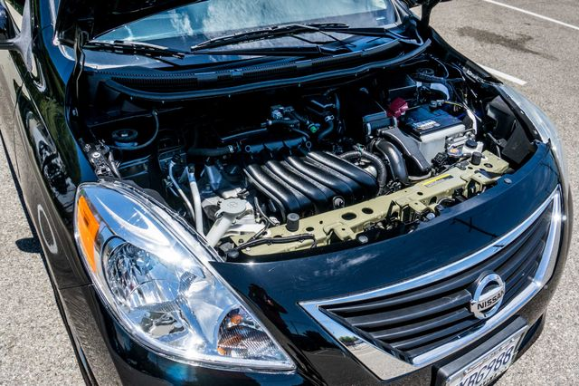 2012 Nissan Versa SL Reseda, CA 36