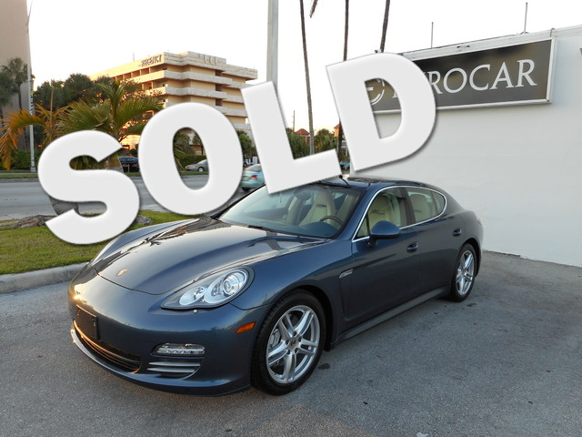 2012 Porsche Panamera 4S ONE OWNER CLEAN CARFAX NEW TIRES LEATHER and NAVIGATION  GP