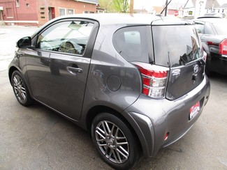 2012 Scion iQ Milwaukee, Wisconsin 5