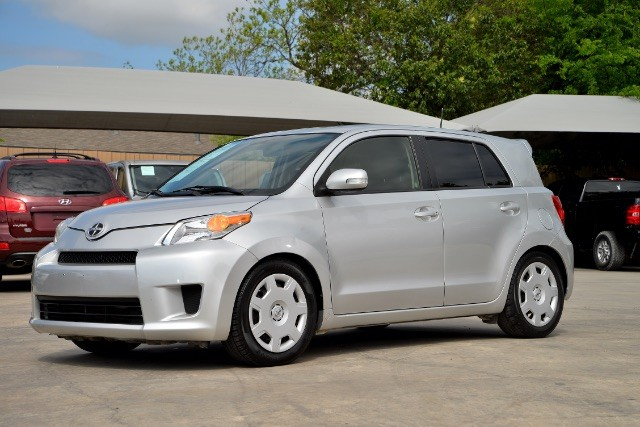 2012 Scion xD 5-Door Hatchback 4-Spd AT San Antonio , Texas 1