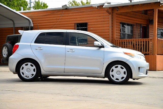 2012 Scion xD 5-Door Hatchback 4-Spd AT San Antonio , Texas 3