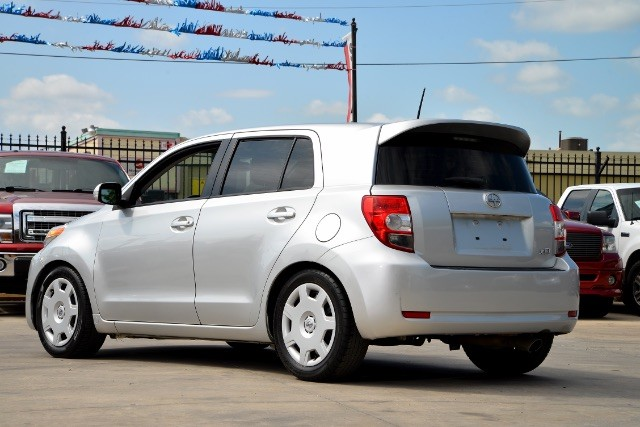 2012 Scion xD 5-Door Hatchback 4-Spd AT San Antonio , Texas 7