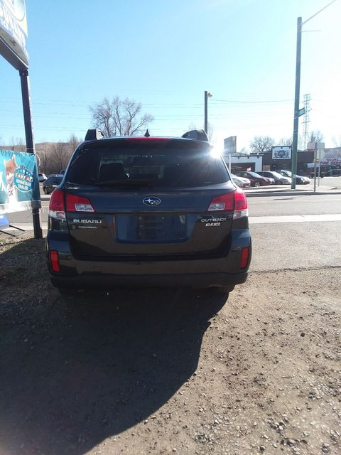 2012 Subaru Outback 2.5i Limited Golden, Colorado 5