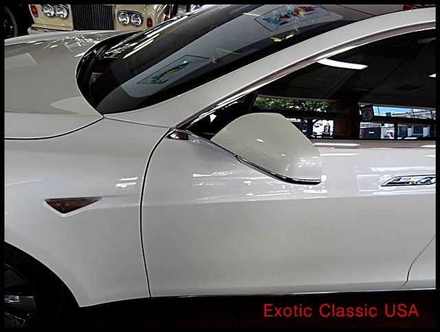2012 Tesla Model S Signature Performance autographed by Elon Musk San Diego, California 14