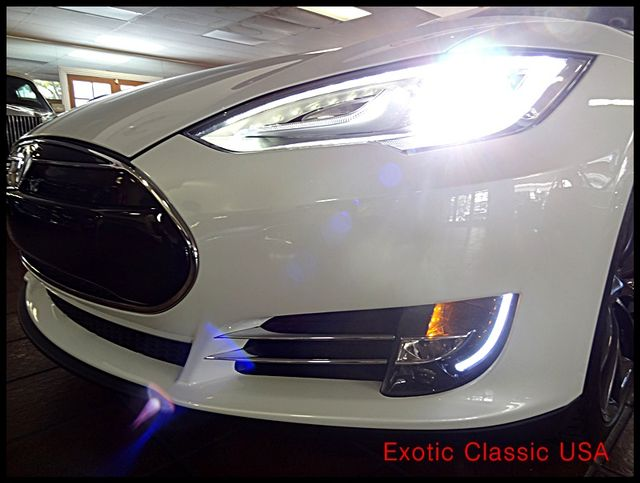 2012 Tesla Model S Signature Performance autographed by Elon Musk San Diego, California 25