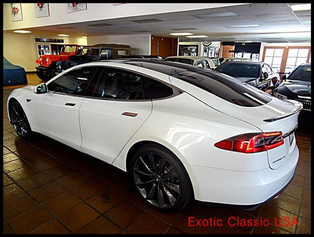 2012 Tesla Model S Signature Performance autographed by Elon Musk San Diego, California 5
