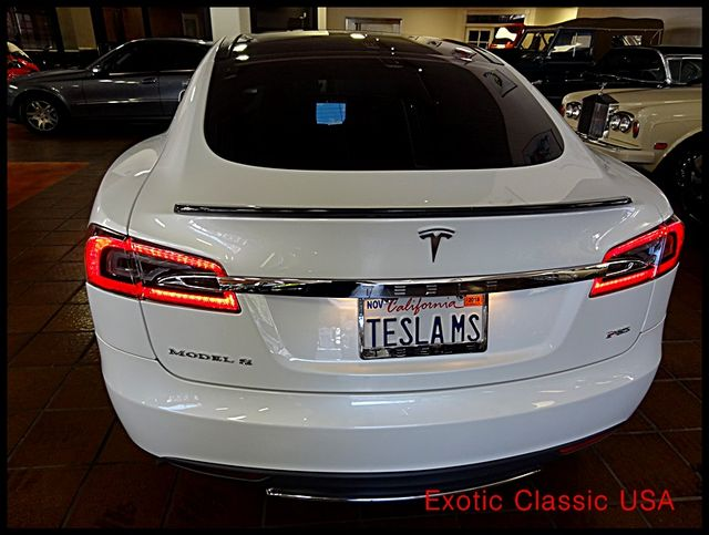 2012 Tesla Model S Signature Performance autographed by Elon Musk San Diego, California 6