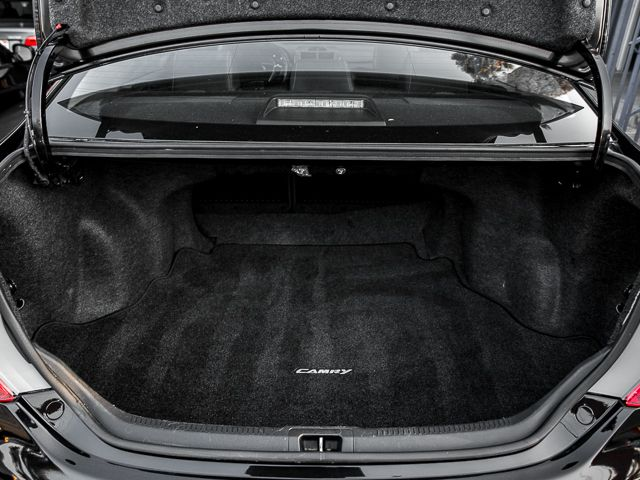 2012 Toyota Camry SE Burbank, CA 19