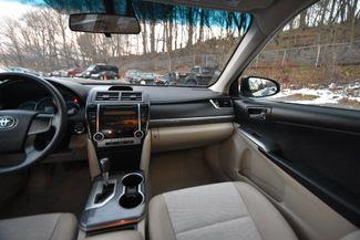 2012 Toyota Camry Hybrid LE Naugatuck, Connecticut 17