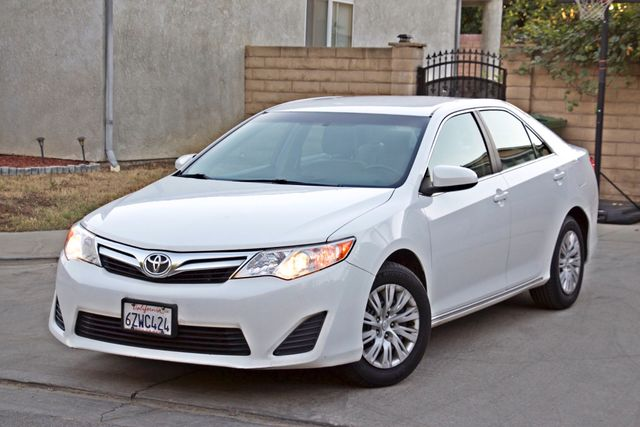 2012 Toyota CAMRY LE AUTOMATIC CRUISE CONTROL NEW TIRES Woodland Hills, CA 1