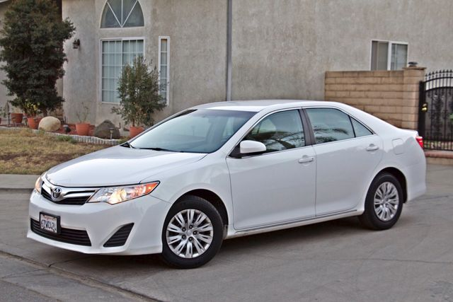 2012 Toyota CAMRY LE AUTOMATIC CRUISE CONTROL NEW TIRES Woodland Hills, CA 10