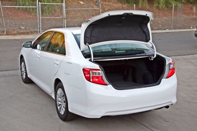 2012 Toyota CAMRY LE AUTOMATIC CRUISE CONTROL NEW TIRES Woodland Hills, CA 26