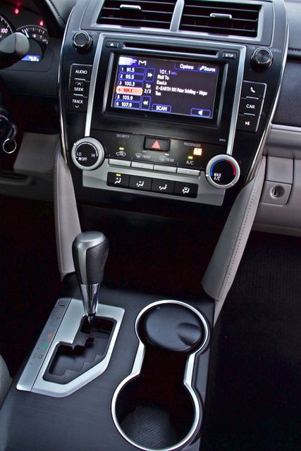 2012 Toyota CAMRY LE AUTOMATIC CRUISE CONTROL NEW TIRES Woodland Hills, CA 16