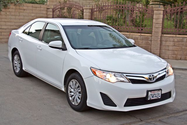 2012 Toyota CAMRY LE AUTOMATIC CRUISE CONTROL NEW TIRES Woodland Hills, CA 27