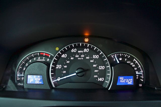 2012 Toyota CAMRY LE AUTOMATIC CRUISE CONTROL NEW TIRES Woodland Hills, CA 14