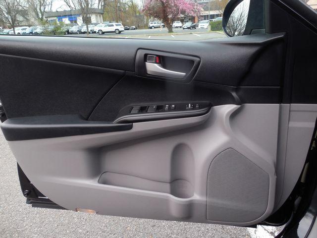 2012 Toyota Camry LE Leesburg, Virginia 17