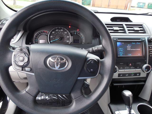 2012 Toyota Camry LE Leesburg, Virginia 14