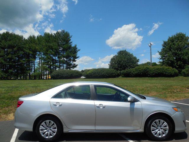 2012 Toyota Camry LE Leesburg, Virginia 4