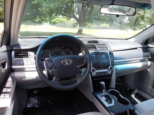 2012 Toyota Camry LE Leesburg, Virginia 11