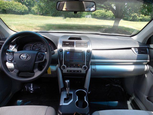 2012 Toyota Camry LE Leesburg, Virginia 12