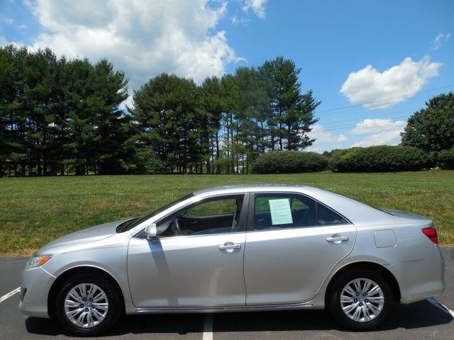 2012 Toyota Camry LE Leesburg, Virginia 5