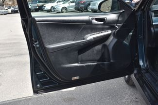 2012 Toyota Camry SE Naugatuck, Connecticut 18