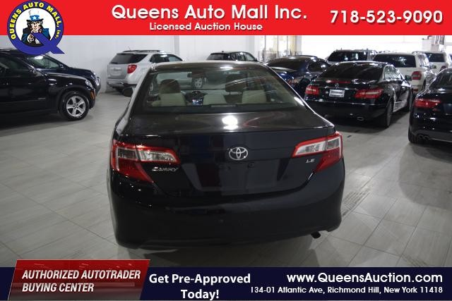 2012 Toyota Camry 4dr Sdn I4 Auto SE (GS) Richmond Hill, New York 3