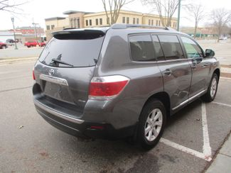 2012 Toyota Highlander SE Farmington, Minnesota 1