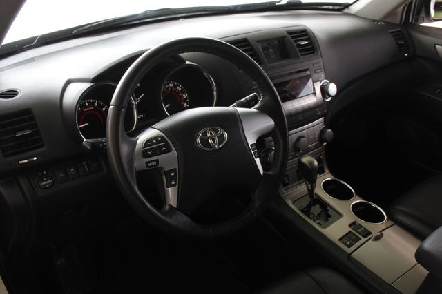 2012 Toyota Highlander SE 4WD - SUNROOF - HEATED LEATHER! Mooresville , NC 30